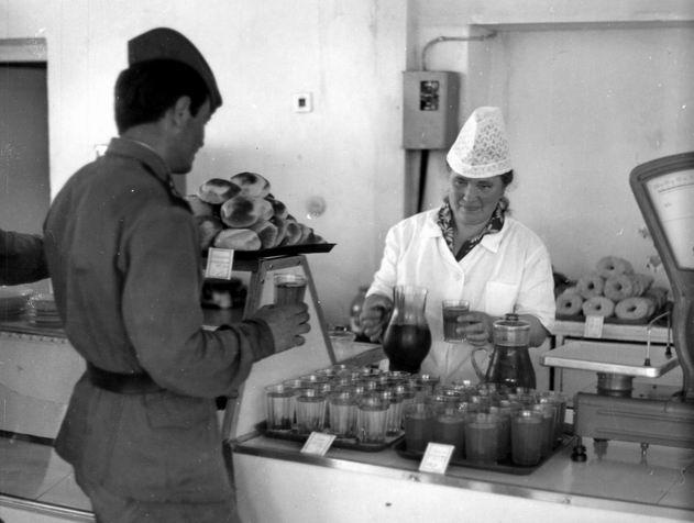 солдатская чайная